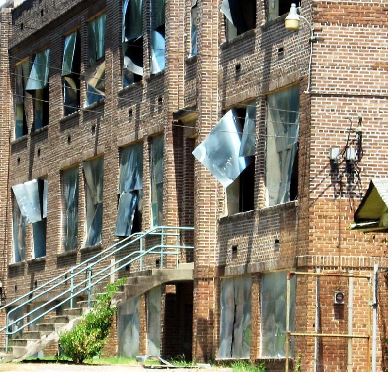 abandoned_florida_street_school_memphis_2