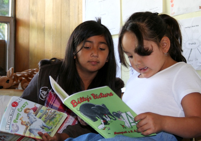 native_kids_reading